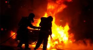 Fahrzeug brennt in Tiefgarage. (Symbolbild: stock:xchng)