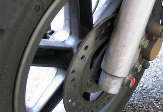 Unbekannte stahlen in Mainz einen Motorroller und fackelten ihn ab. (Symbolbild: stock:xchng)