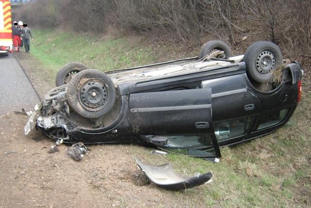 Glück im Unglück hatte der Fahrer dieses Wagens. (Bild : Polizei Mainz)