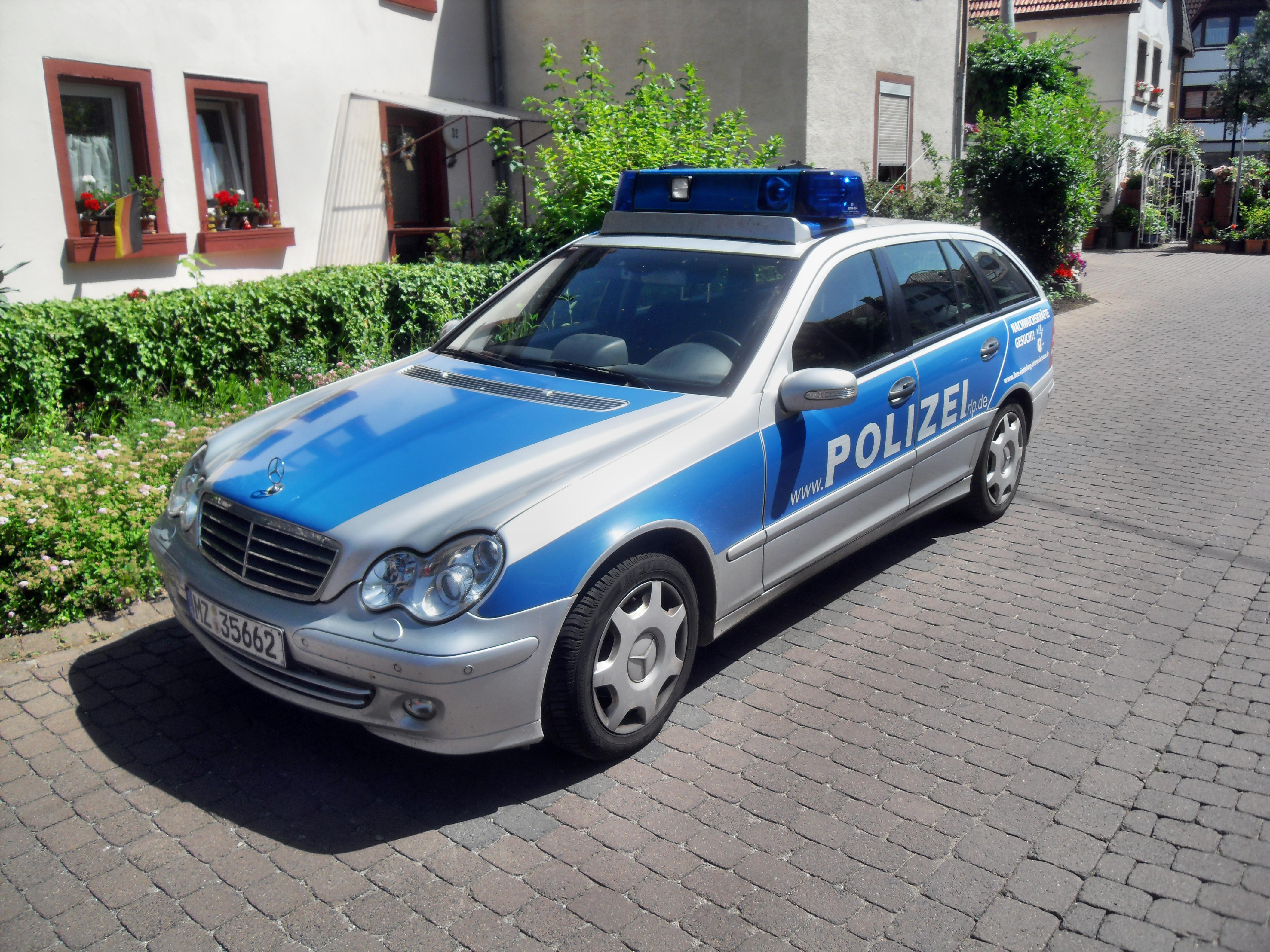 Polizei dankt zwei Menschen für besondere Zivilcourage: Sie retteten Leben!